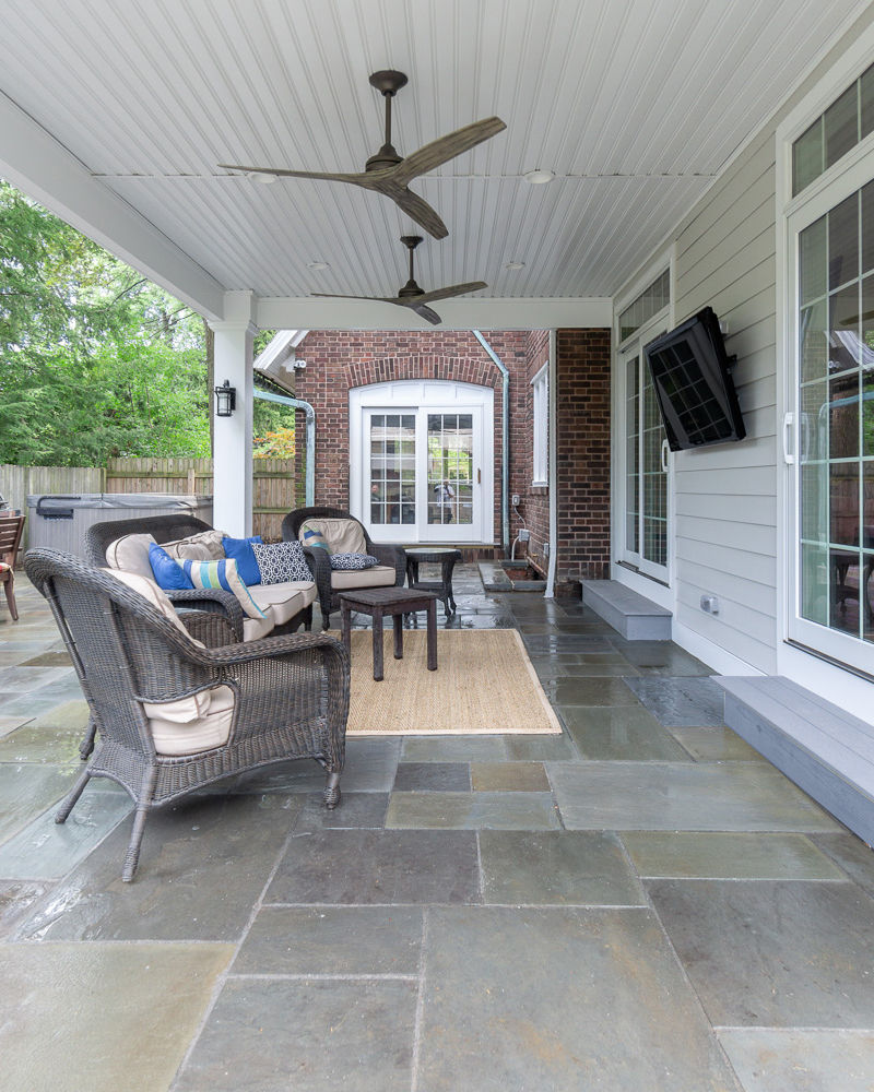 Covered patio in Cleveland Heights