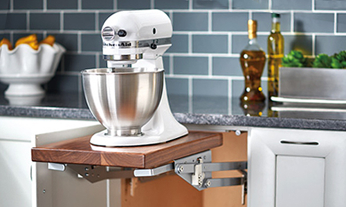 Cabinet shelf for stand mixer